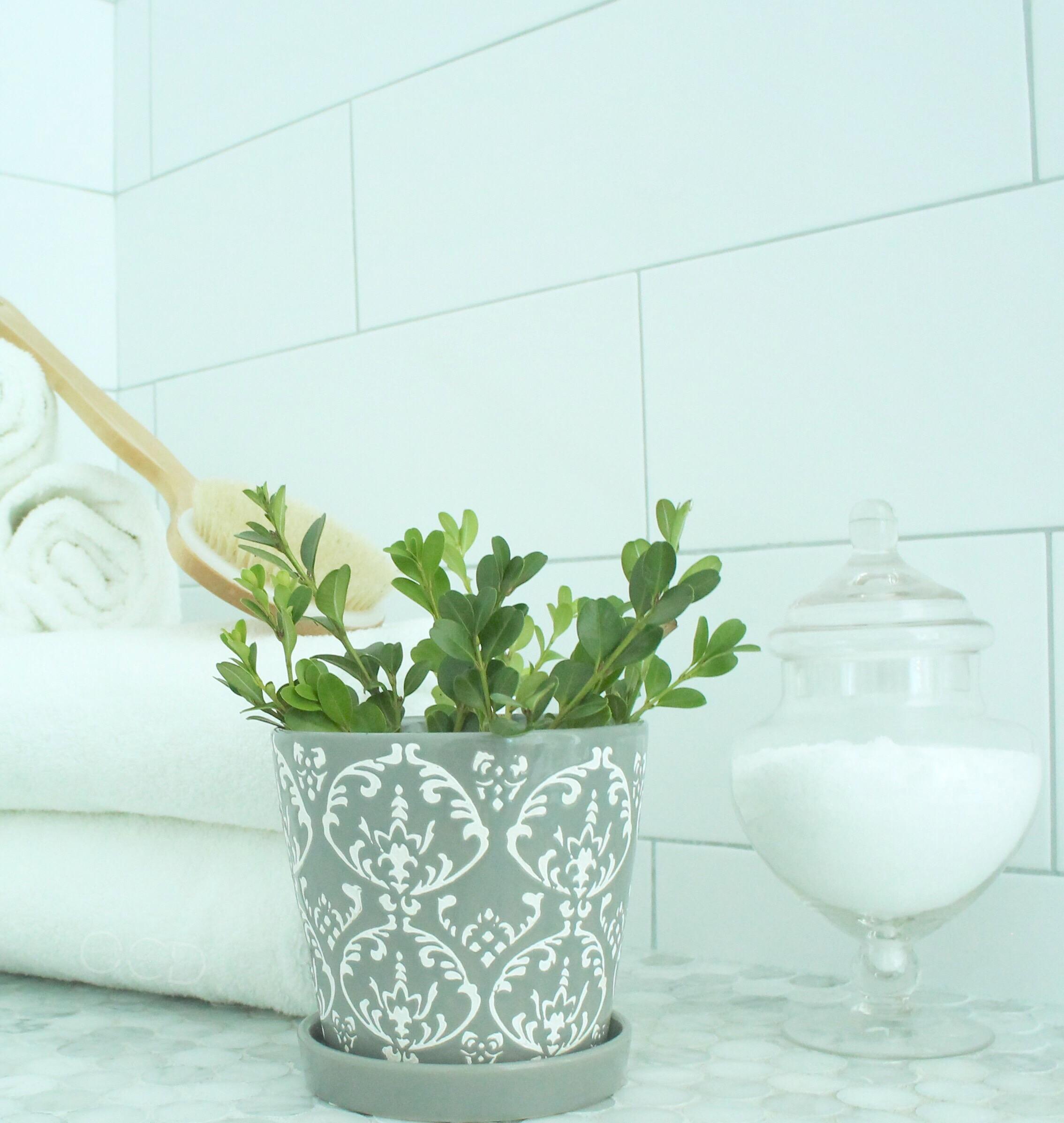 Shower bench marble white tile