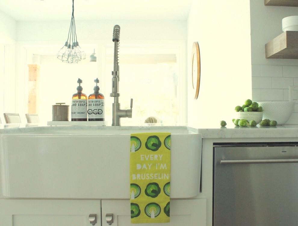 Spring Kitchen Towels Organize Clean Decorate